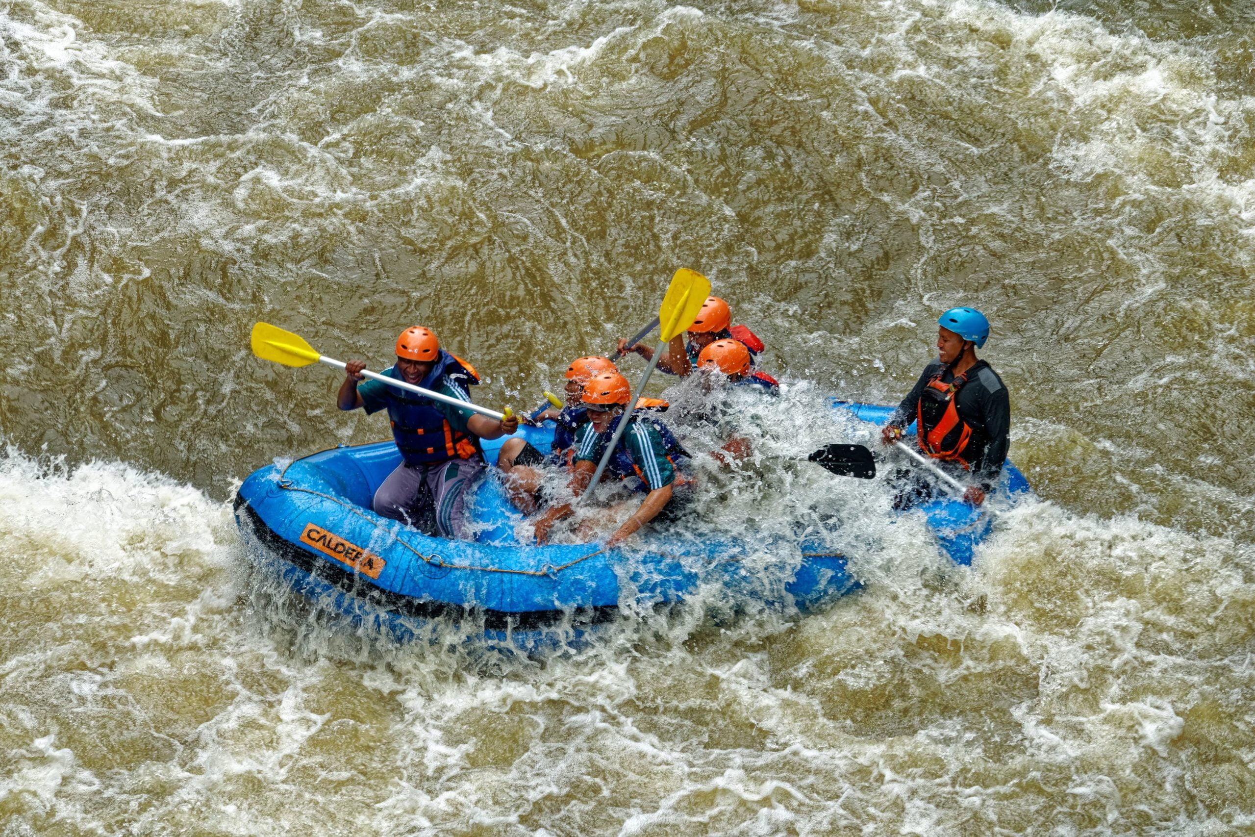 Yahooo!!! 9 Lokasi Sungai Best Buat Aktiviti Water Rafting Di Malaysia