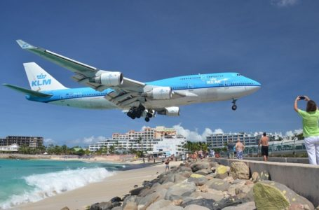 Landasan Kapal Terbang Paling Berbahaya Di Dunia