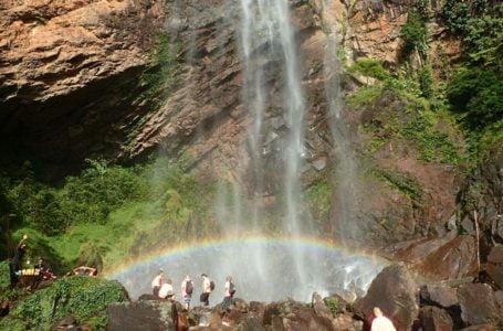 Air Terjun Pelangi Seperti Di Alam Fantasi