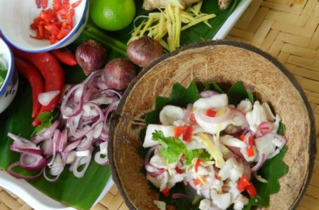 Enak! 10 Makanan Sarawak Sedap Sampai Menjilat Jari!