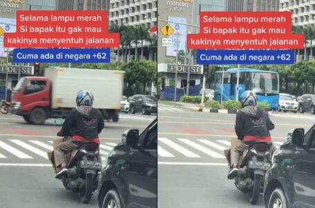 Punyalah Tak Nak Kaki Sentuh Jalan, Rider 'Berjoget' Atas Motor