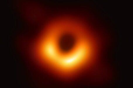 Saiz Lebih Besar Dari Sistem Solar,  Imej Black Hole Pertama Buat Ramai Tergamam