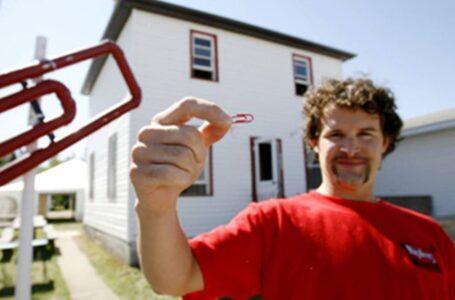 Bijak Betul, Lelaki Ni Dapat Rumah Dengan Hanya Tukar Klip Kertas!
